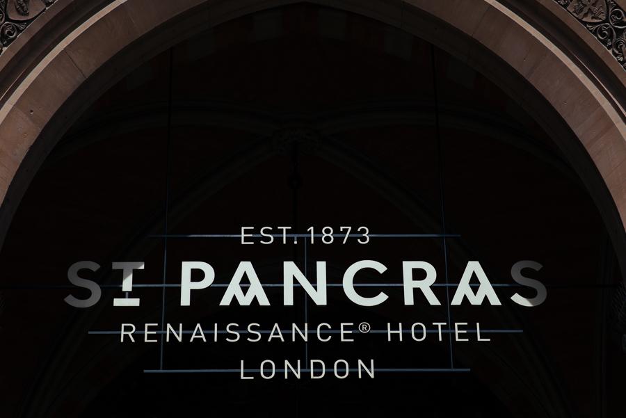 Renaissance-hotel-wedding-photos16
