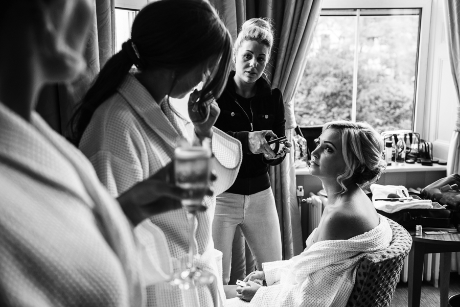 bridesmaids getting ready pictures in Tunbridge Wells
