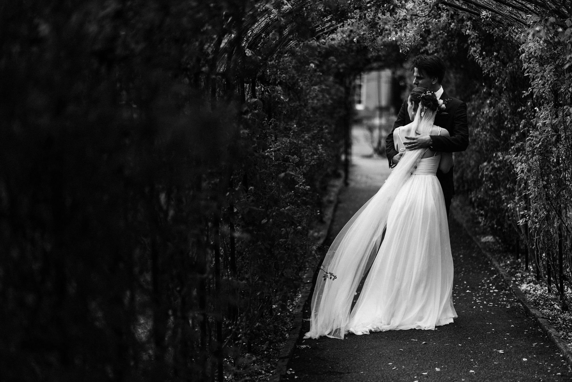 black-and-white-wedding-photography-40