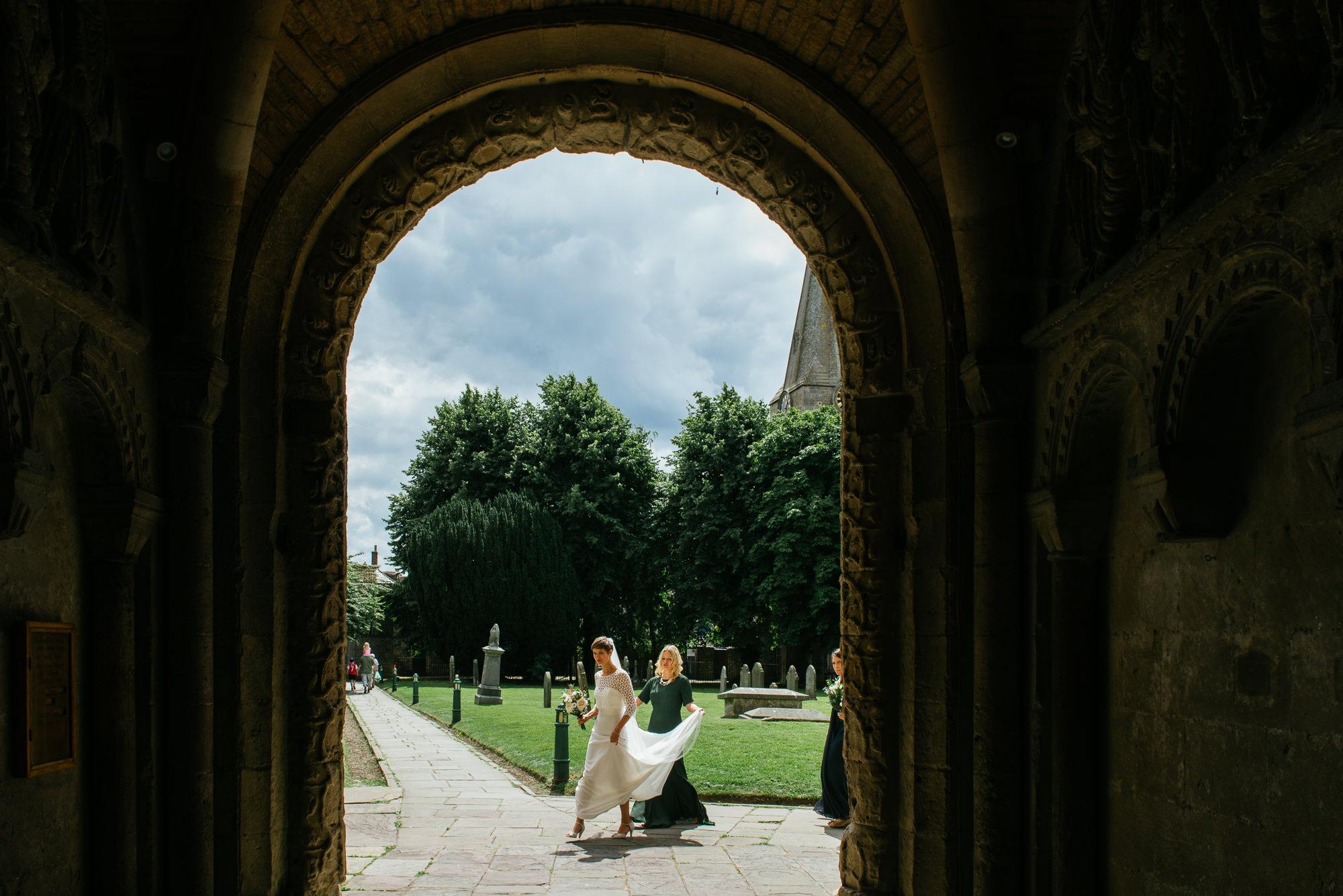 malmsbury-abbey-wedding-30