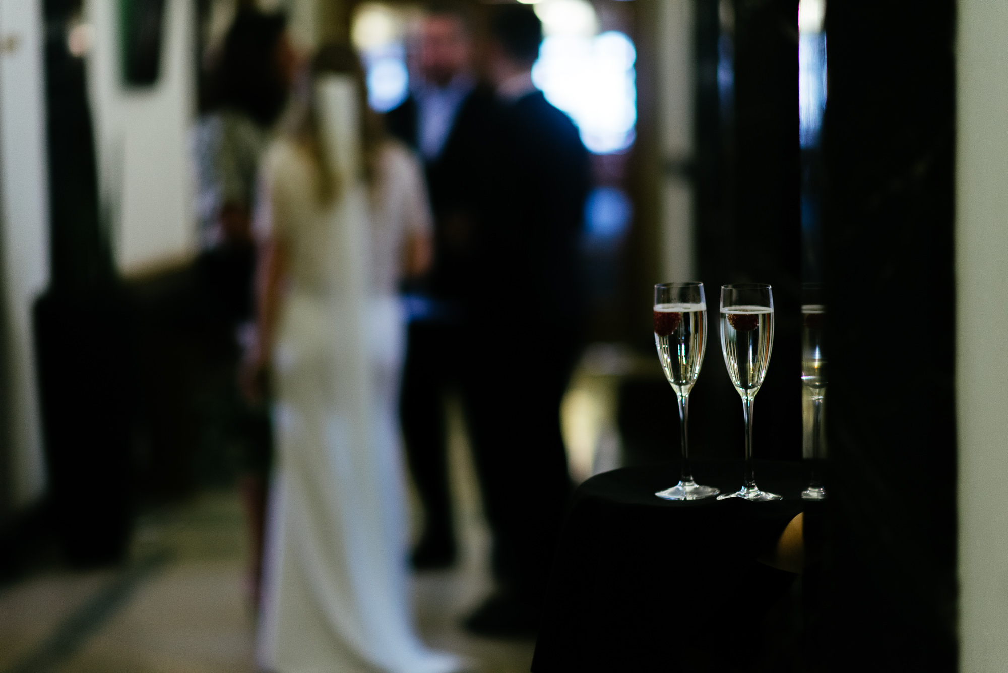 town-hall-hotel-london-wedding-48