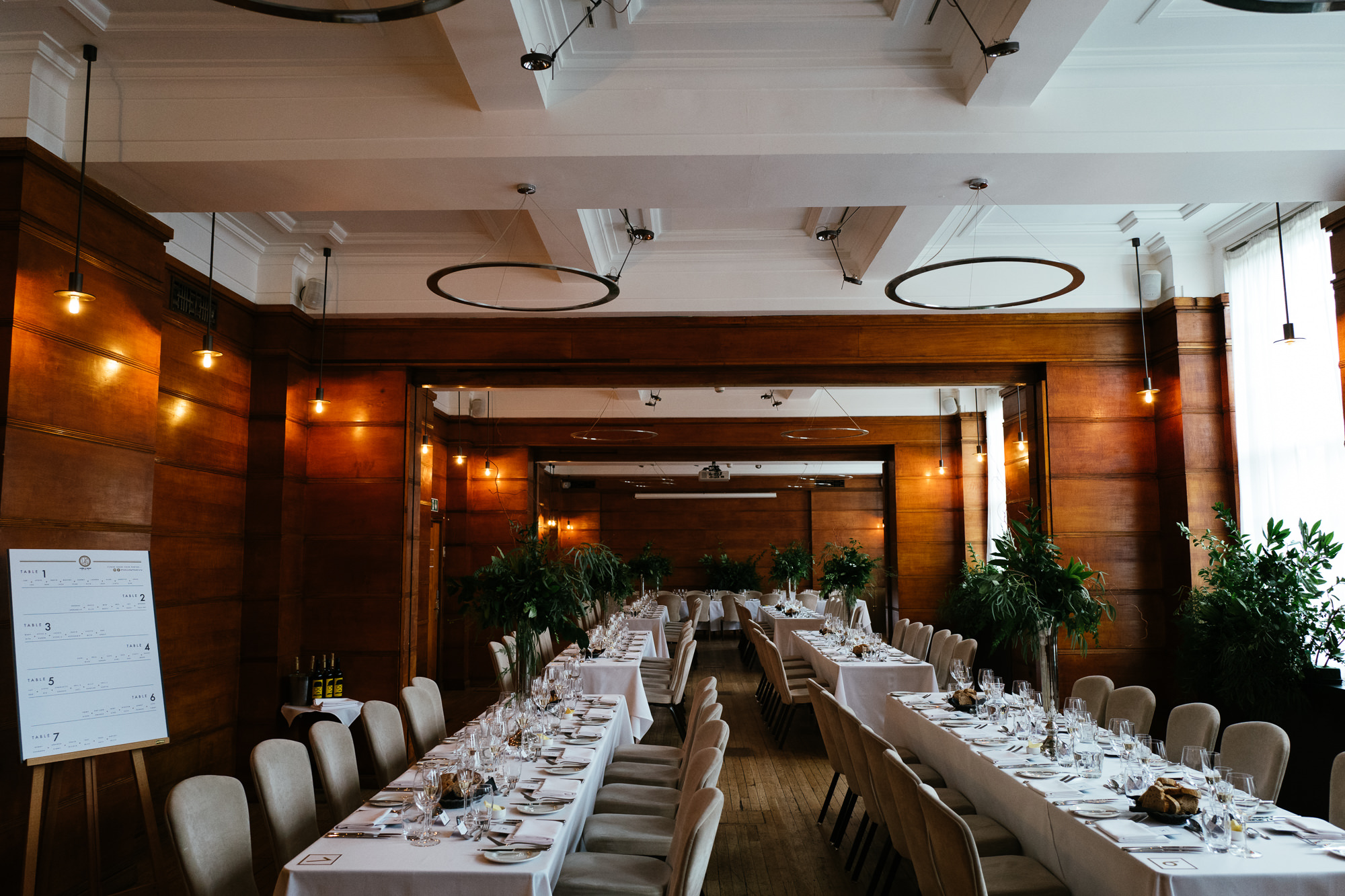 town-hall-hotel-london-wedding-59