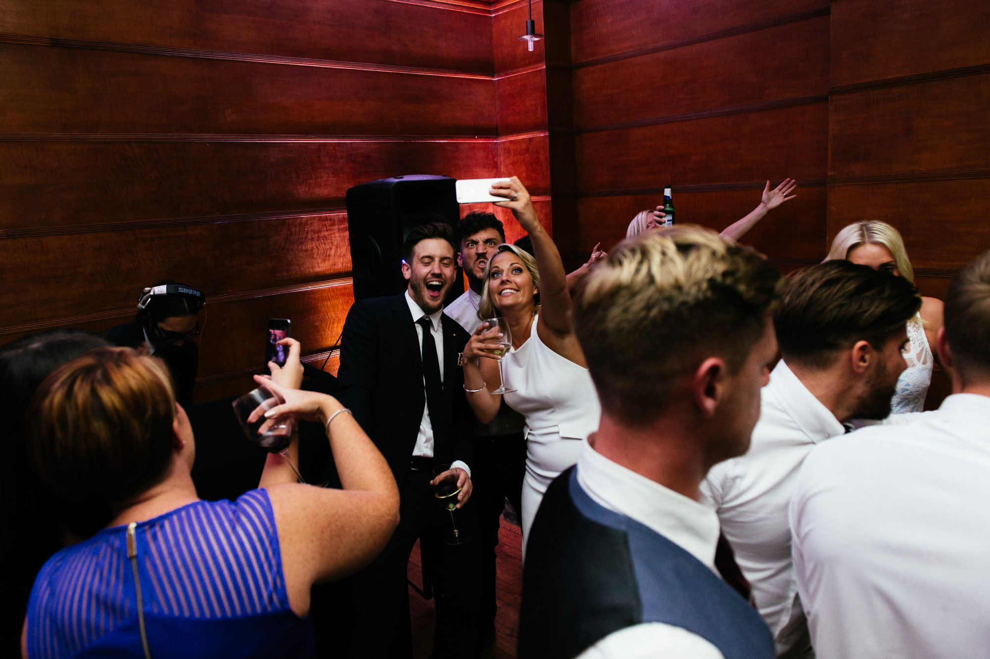 town-hall-hotel-london-wedding-98